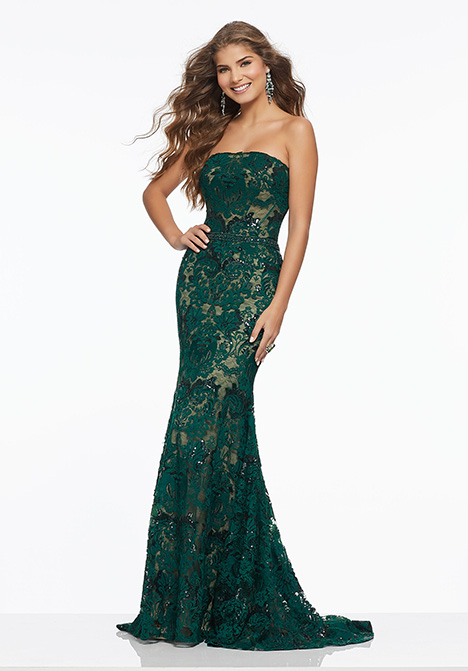 43045 gown from the 2019 Mori Lee Prom collection, as seen on Bride.Canada
