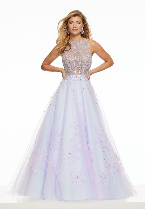 43079 gown from the 2019 Mori Lee Prom collection, as seen on Bride.Canada