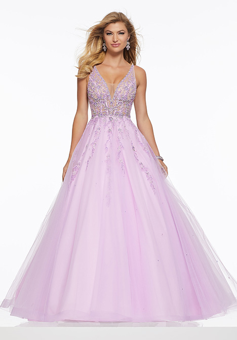 43084 gown from the 2019 Mori Lee Prom collection, as seen on Bride.Canada