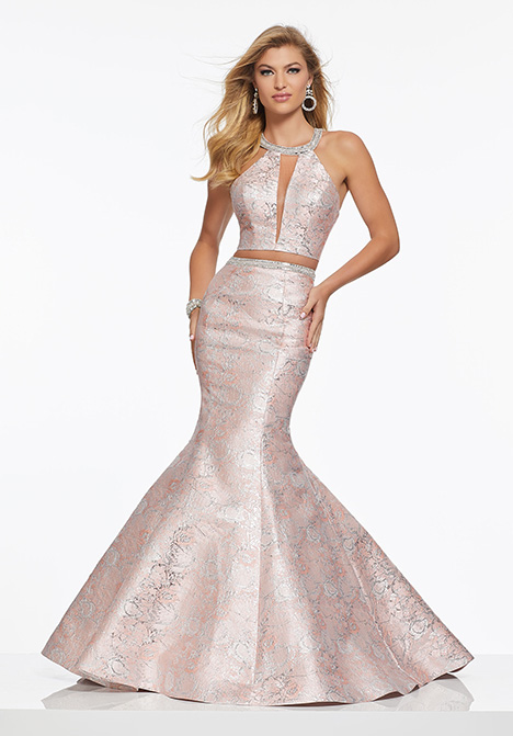 43085 gown from the 2019 Mori Lee Prom collection, as seen on Bride.Canada