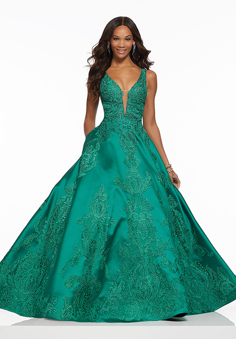 gown from the 2019 Mori Lee Prom collection, as seen on Bride.Canada