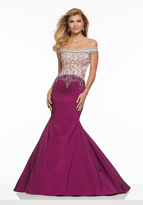 43120 gown from the 2019 Mori Lee Prom collection, as seen on Bride.Canada