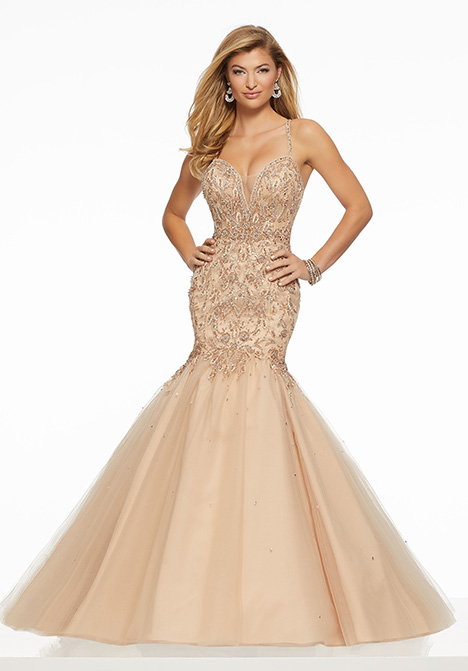 43134 gown from the 2019 Mori Lee Prom collection, as seen on Bride.Canada