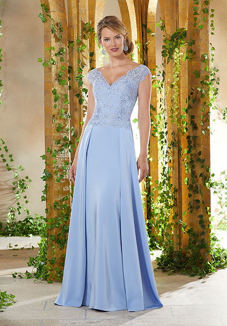 71906 gown from the 2019 MGNY Madeline Gardner collection, as seen on Bride.Canada
