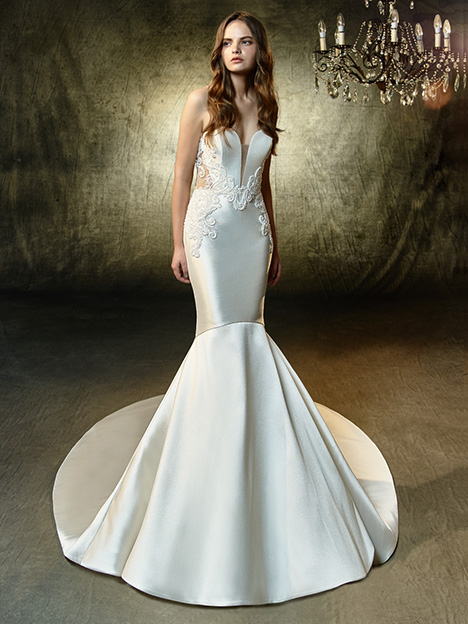 Laken gown from the 2019 Blue by Enzoani collection, as seen on Bride.Canada