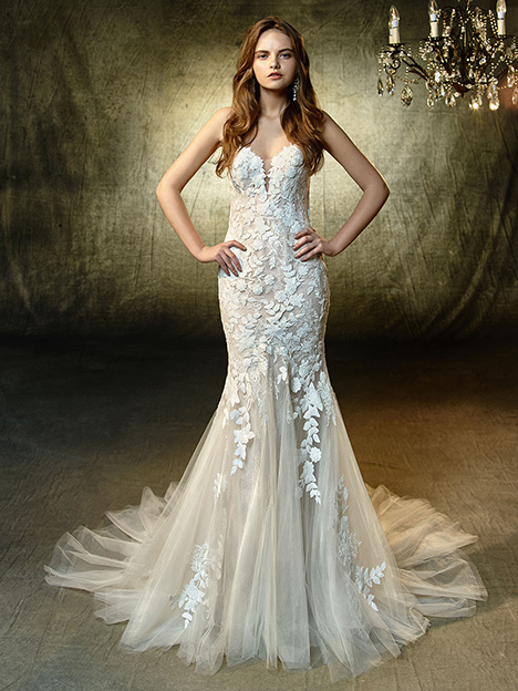 Livie gown from the 2019 Blue by Enzoani collection, as seen on Bride.Canada