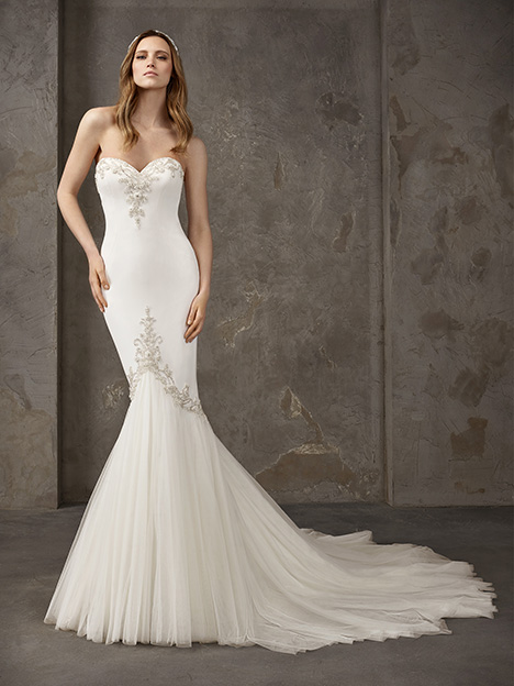 NEVADA gown from the 2019 Pronovias Privée collection, as seen on Bride.Canada
