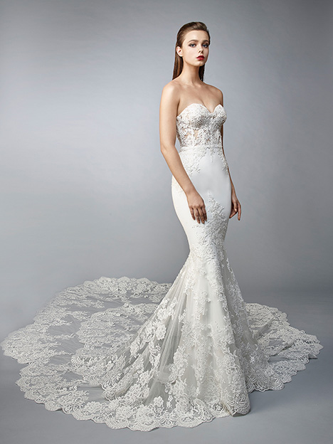 Nami gown from the 2019 Enzoani collection, as seen on Bride.Canada