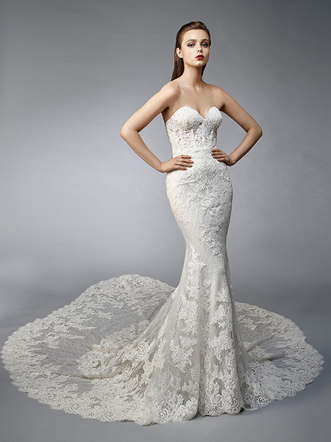 Nina gown from the 2019 Enzoani collection, as seen on Bride.Canada
