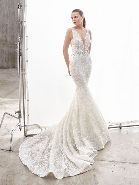 North gown from the 2019 Enzoani collection, as seen on Bride.Canada