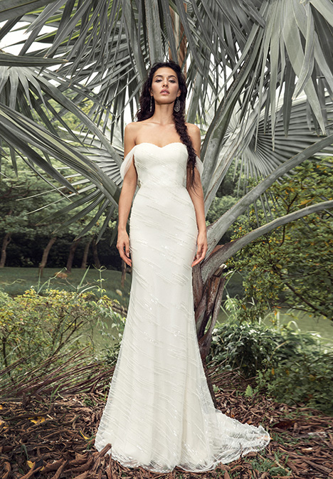 Mia (901500378) gown from the 2019 Chic Nostalgia collection, as seen on Bride.Canada