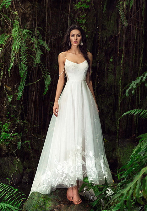 Robyn (901500352) gown from the 2019 Chic Nostalgia collection, as seen on Bride.Canada