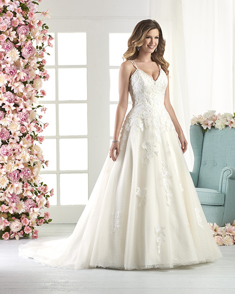 810 gown from the 2018 Bonny Bridal collection, as seen on Bride.Canada