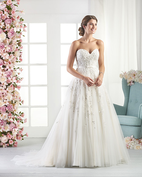 820 gown from the 2018 Bonny Bridal collection, as seen on Bride.Canada