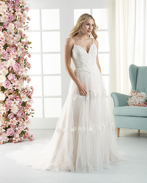 832 gown from the 2018 Bonny Bridal collection, as seen on Bride.Canada
