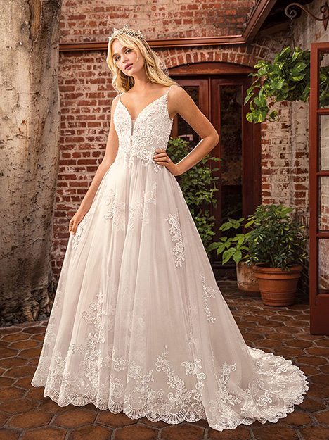 Delilah gown from the 2019 Beloved By Casablanca collection, as seen on Bride.Canada