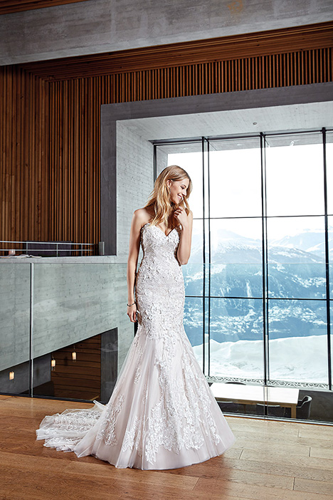 SKY145 gown from the 2019 Eddy K Sky collection, as seen on Bride.Canada