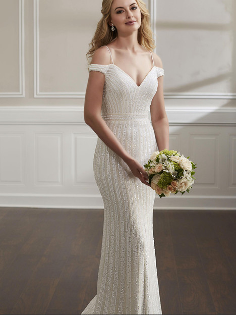 18188 gown from the 2019 Adrianna Papell collection, as seen on Bride.Canada