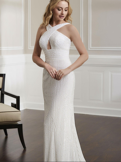 18189 gown from the 2019 Adrianna Papell collection, as seen on Bride.Canada