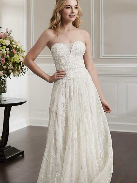 18193 gown from the 2019 Adrianna Papell collection, as seen on Bride.Canada