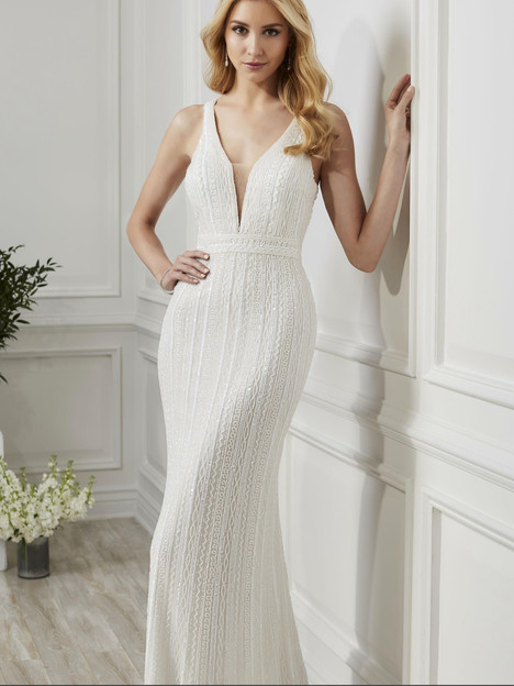 40191 gown from the 2019 Adrianna Papell collection, as seen on Bride.Canada