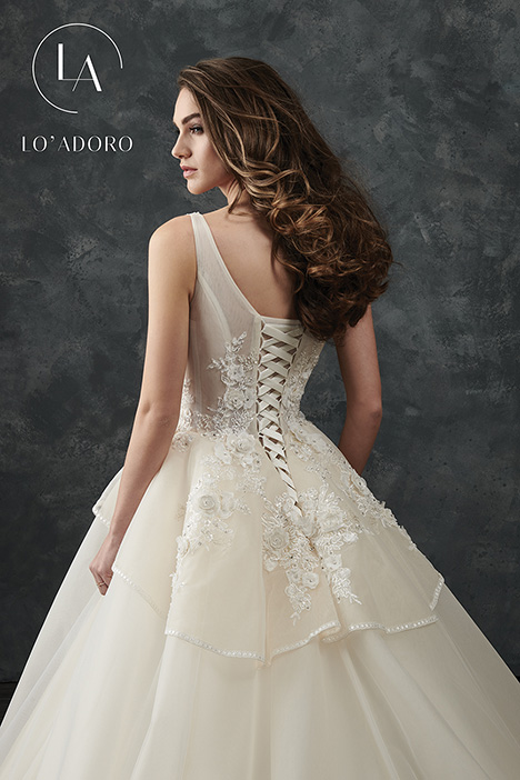 M668 (back) gown from the 2018 Lo' Adoro collection, as seen on Bride.Canada