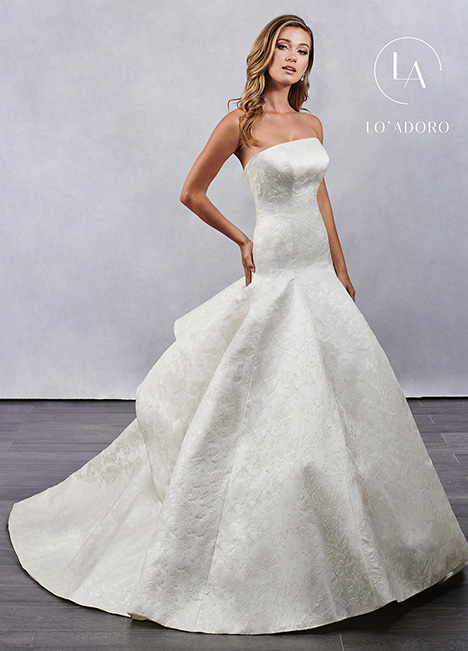 M686 gown from the 2019 Lo' Adoro collection, as seen on Bride.Canada