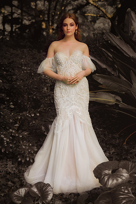 WS 6090 gown from the 2019 Wedding Societe collection, as seen on Bride.Canada