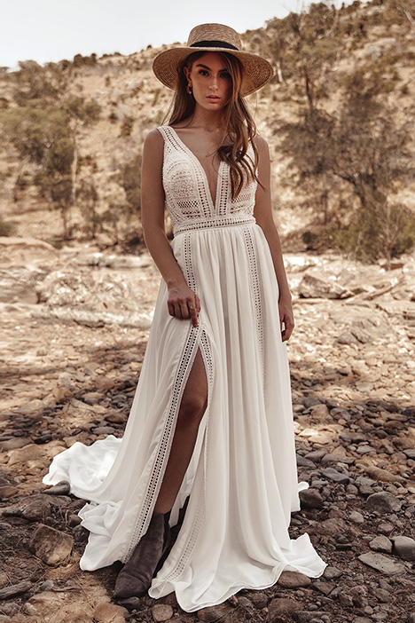 WA 279 gown from the 2019 White April collection, as seen on Bride.Canada