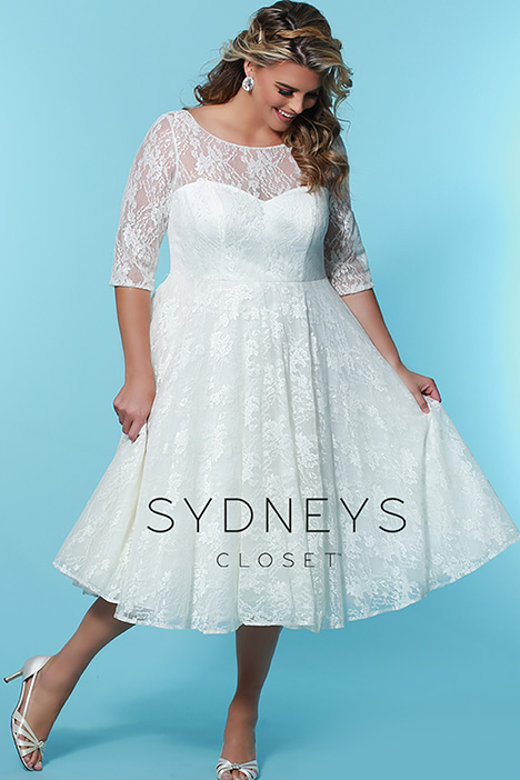 SC 5212 Front gown from the 2019 Sydney's Closet Bridal+ collection, as seen on Bride.Canada