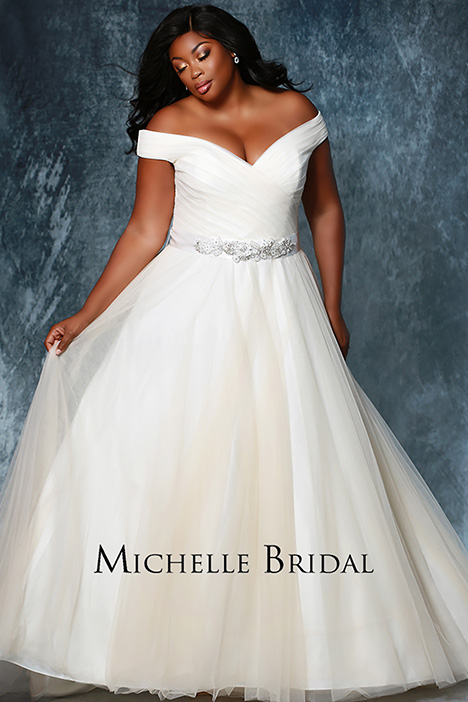 MB 1812 Front 2 gown from the 2019 Michelle Bridal+ collection, as seen on Bride.Canada