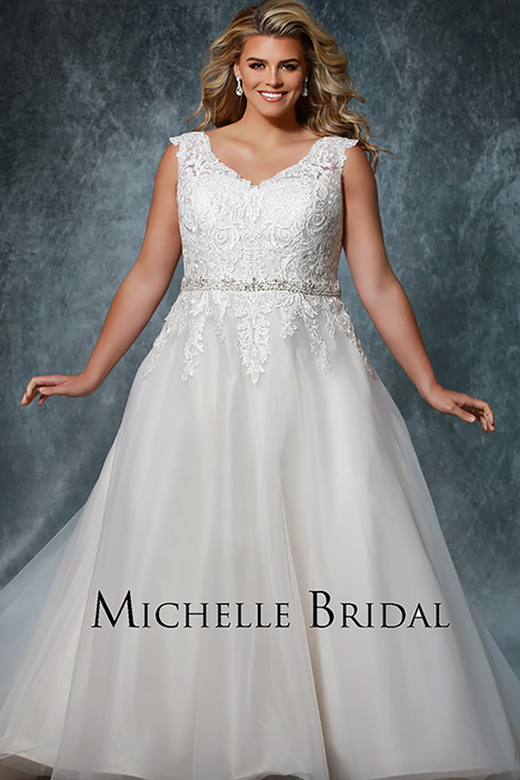 MB 1909 gown from the 2019 Michelle Bridal+ collection, as seen on Bride.Canada