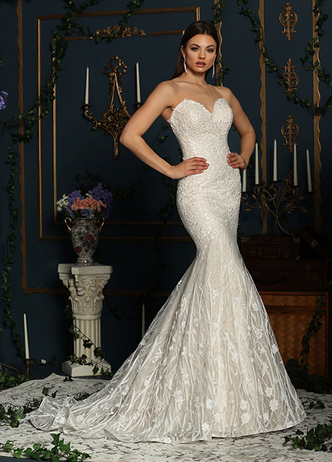 10624A gown from the 2019 Ashley & Justin Bride collection, as seen on Bride.Canada