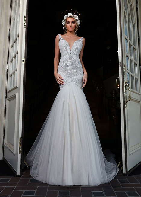10661-A gown from the 2019 Ashley & Justin Bride collection, as seen on Bride.Canada