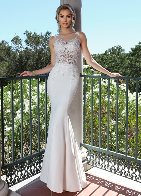 10675 gown from the 2019 Ashley & Justin Bride collection, as seen on Bride.Canada