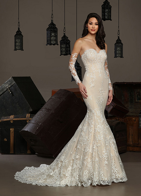 13180 gown from the 2019 Cristiano Lucci collection, as seen on Bride.Canada