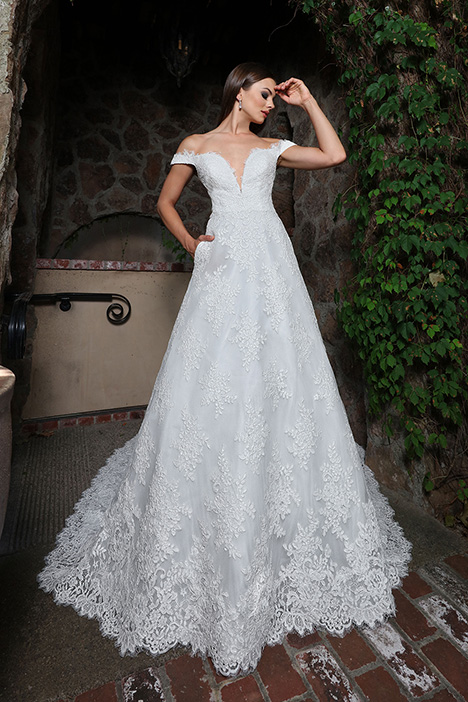 13229 gown from the 2019 Cristiano Lucci collection, as seen on Bride.Canada