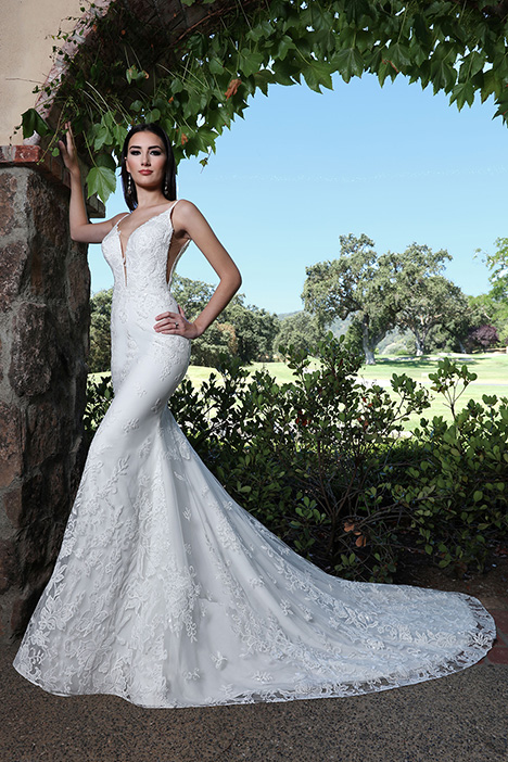 13235 gown from the 2019 Cristiano Lucci collection, as seen on Bride.Canada