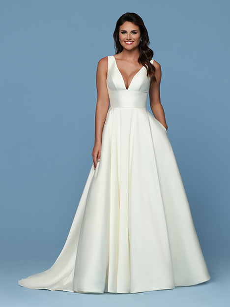 50561 Wedding                                          dress by DaVinci