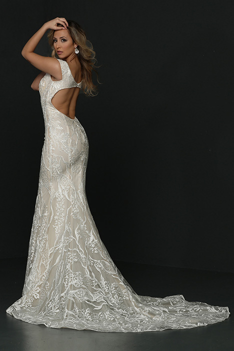 90364 Back Wedding                                          dress by Simone Carvalli