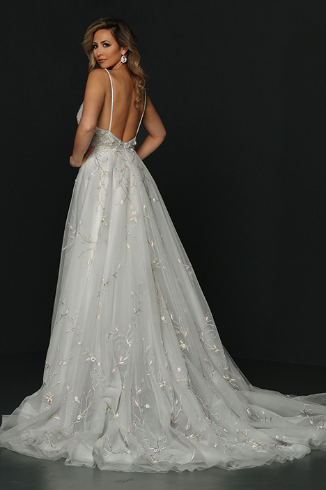 90368 Back Wedding                                          dress by Simone Carvalli