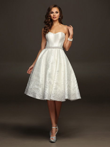 Catalina gown from the 2019 Victor Harper collection, as seen on dressfinder.ca