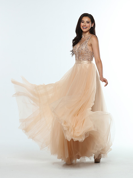 31385 3/4 View gown from the 2019 Zoey Grey collection, as seen on dressfinder.ca
