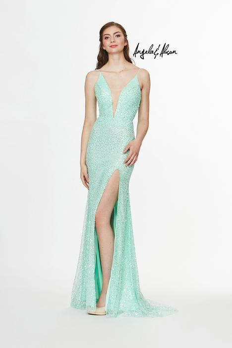 Style 91029 gown from the 2019 Angela & Alison Prom collection, as seen on dressfinder.ca