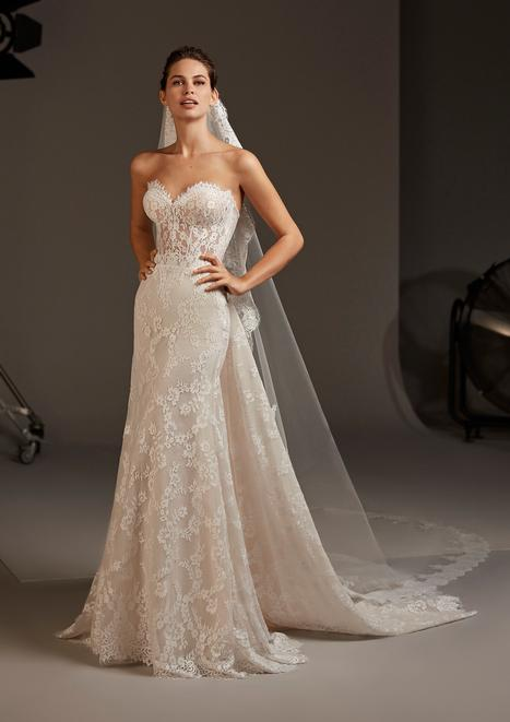 Desdemona Wedding                                          dress by Pronovias