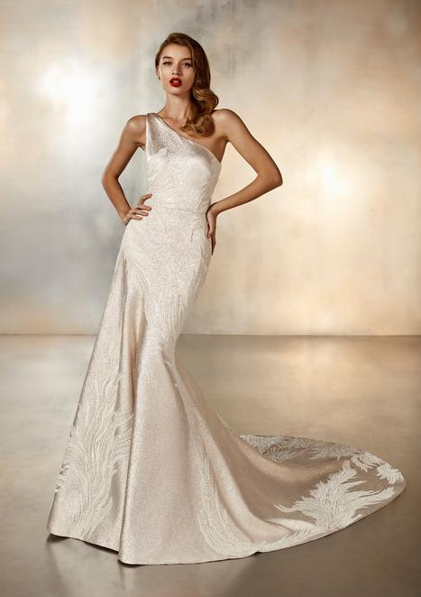 Dance Wedding                                          dress by Pronovias Atelier