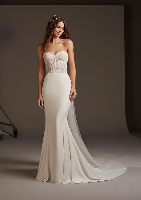 Vela Wedding dress by Pronovias