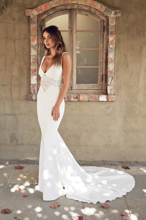Hunter (Fitted) Wedding                                          dress by Anna Campbell
