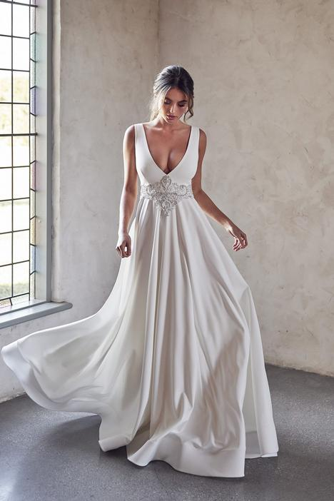 Hunter Goddess Wedding                                          dress by Anna Campbell