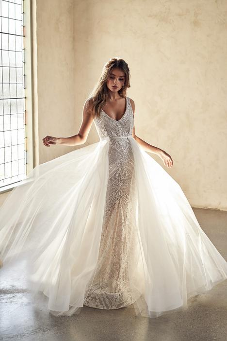 Lexi Wedding                                          dress by Anna Campbell